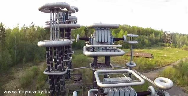 """Felvillanyozó: Óriás """"Tesla tornyok"""" Moszkva közelében /Fénykép-Videó/"""