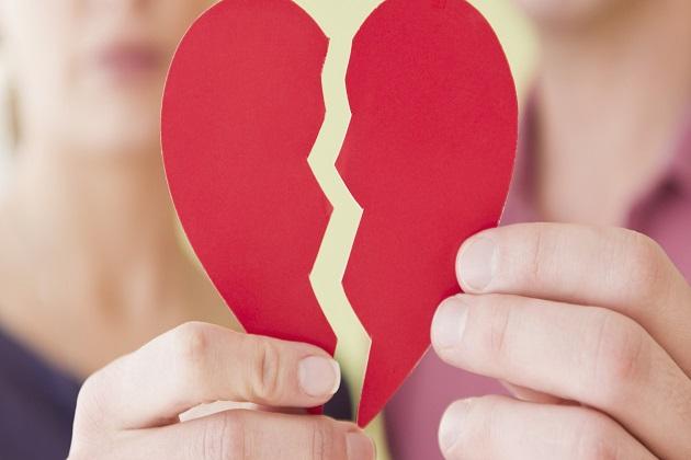 5 Zodiak yang Paling Galau Saat Putus Cinta, Kamu Salah Satunya?