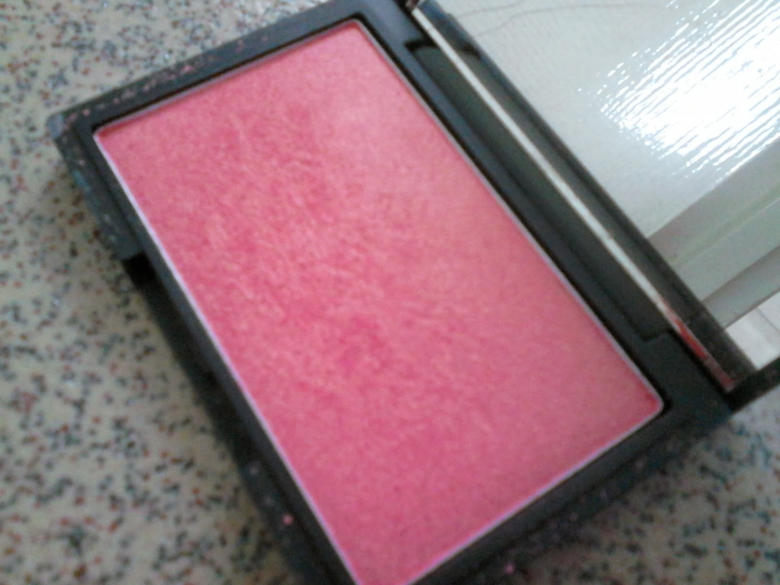 Sleek Shimmer Blush Rose Gold