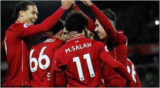 """بعد هزيمته نيوكاسل """" ليفربول """" في صدارة الدوري الانجليزي"""