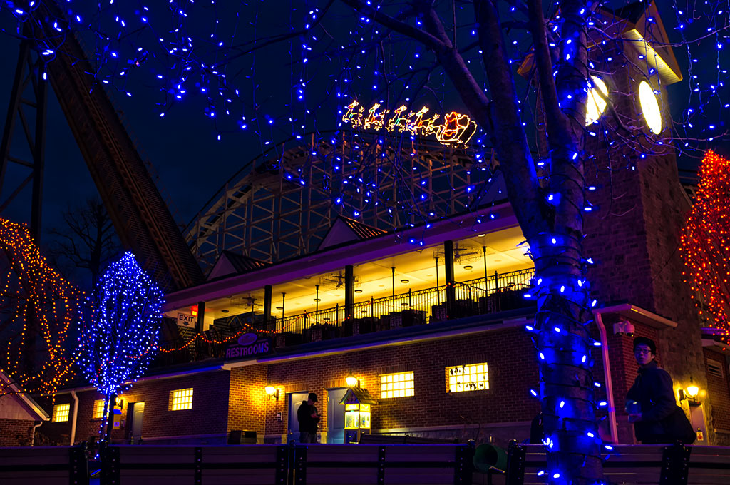 Santa Lights on Hersheypark Rollercoaster