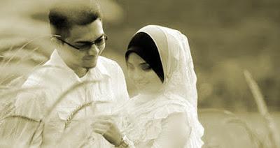 Kisah Seorang Istri yang Bisa Membuat Suaminya Tergila-gila Padanya