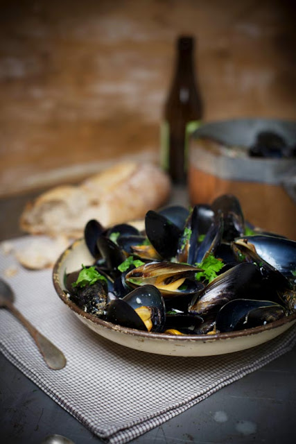 Cider and Garlic Mussels