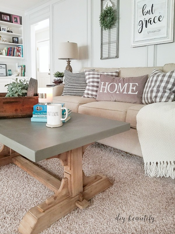 farmhouse coffee table in the living room | diy beautify