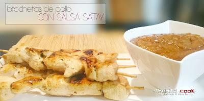 BROCHETA DE POLLO CON SALSA SATAY