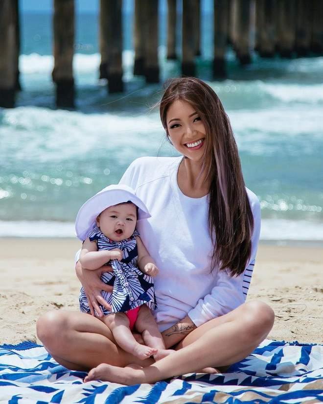Cặp mẹ con xinh đẹp ngất ngây, chỉ nằm cạnh nhau chụp ảnh cũng nổi tiếng khắp mạng xã hội - Ảnh 10