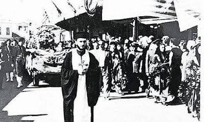 Ο μοναδικός ιερέας που συνόδευσε τη σορό του Νίκου Καζαντζάκη