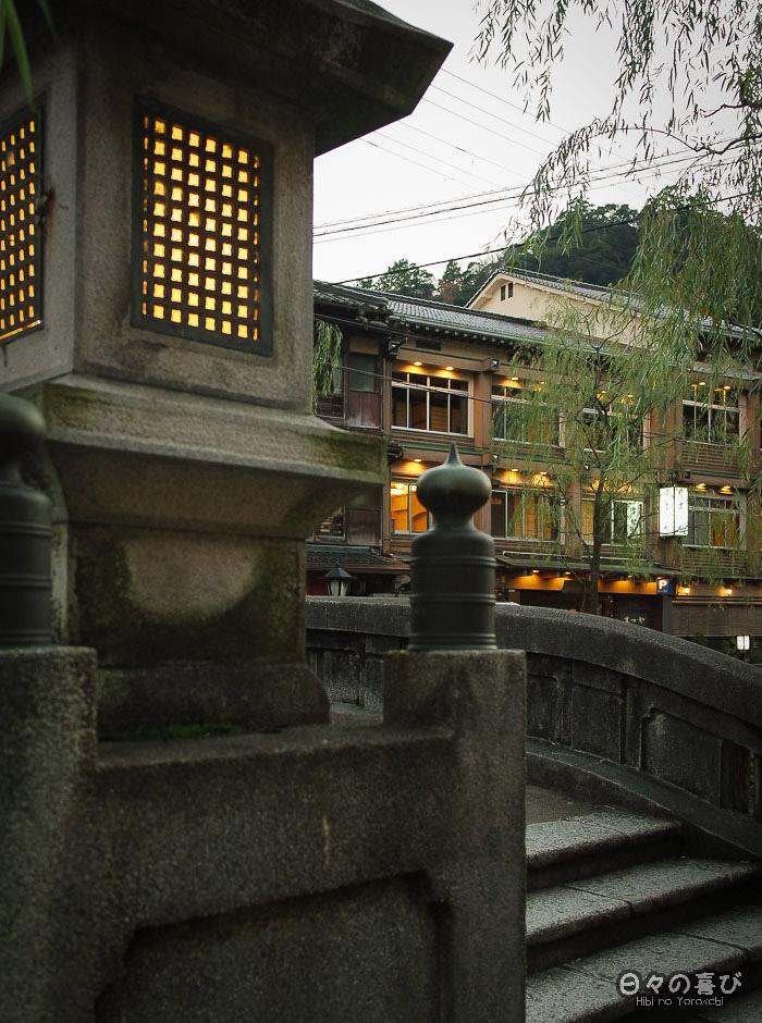 lanterne pont sur le canal