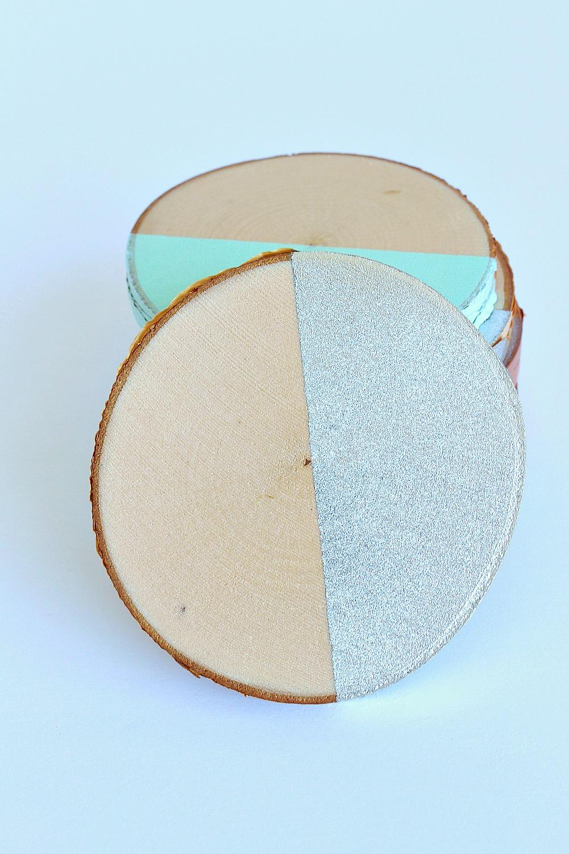 DIY Spray Painted Birch Slice Coasters | www.danslelakehouse.com