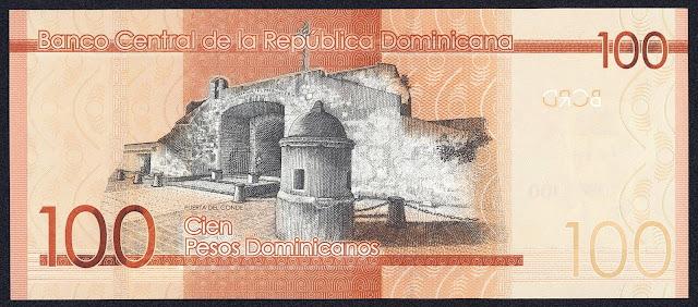 Dominican Republic money 100 Pesos Dominicanos banknote 2014 La Puerta del Conde (The Count's Gate) in Santo Domingo