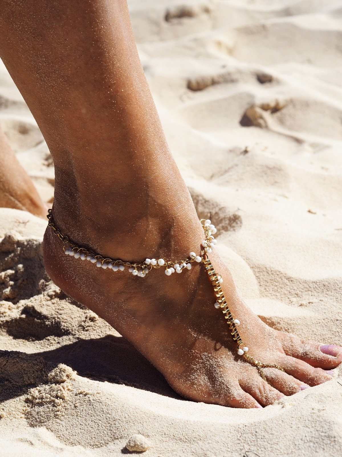 Miss Tunica Beach Accessories - Anklet White and Gold