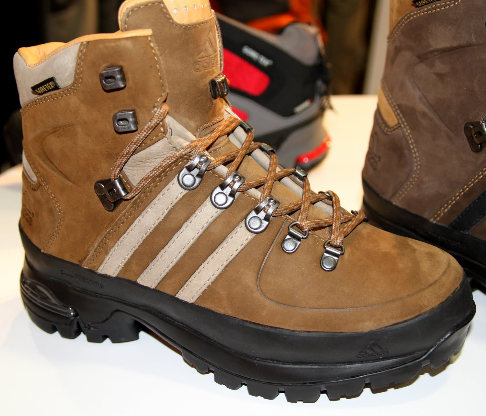 ADIDAS NEW OUTDOOR APPAREL FOOTWEAR FALL 2011 f9a5da38b3