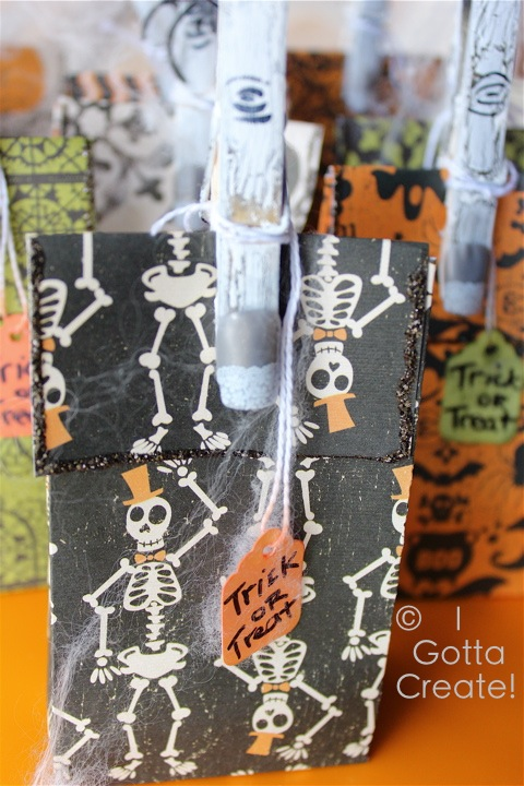 Fabulously freaky Halloween party favors! | Tutorial at I Gotta Create!