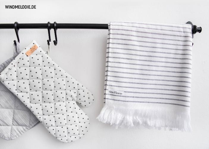 TineK Handtuch gestreift Ofenhandschuhe Punkte schwarz weiß