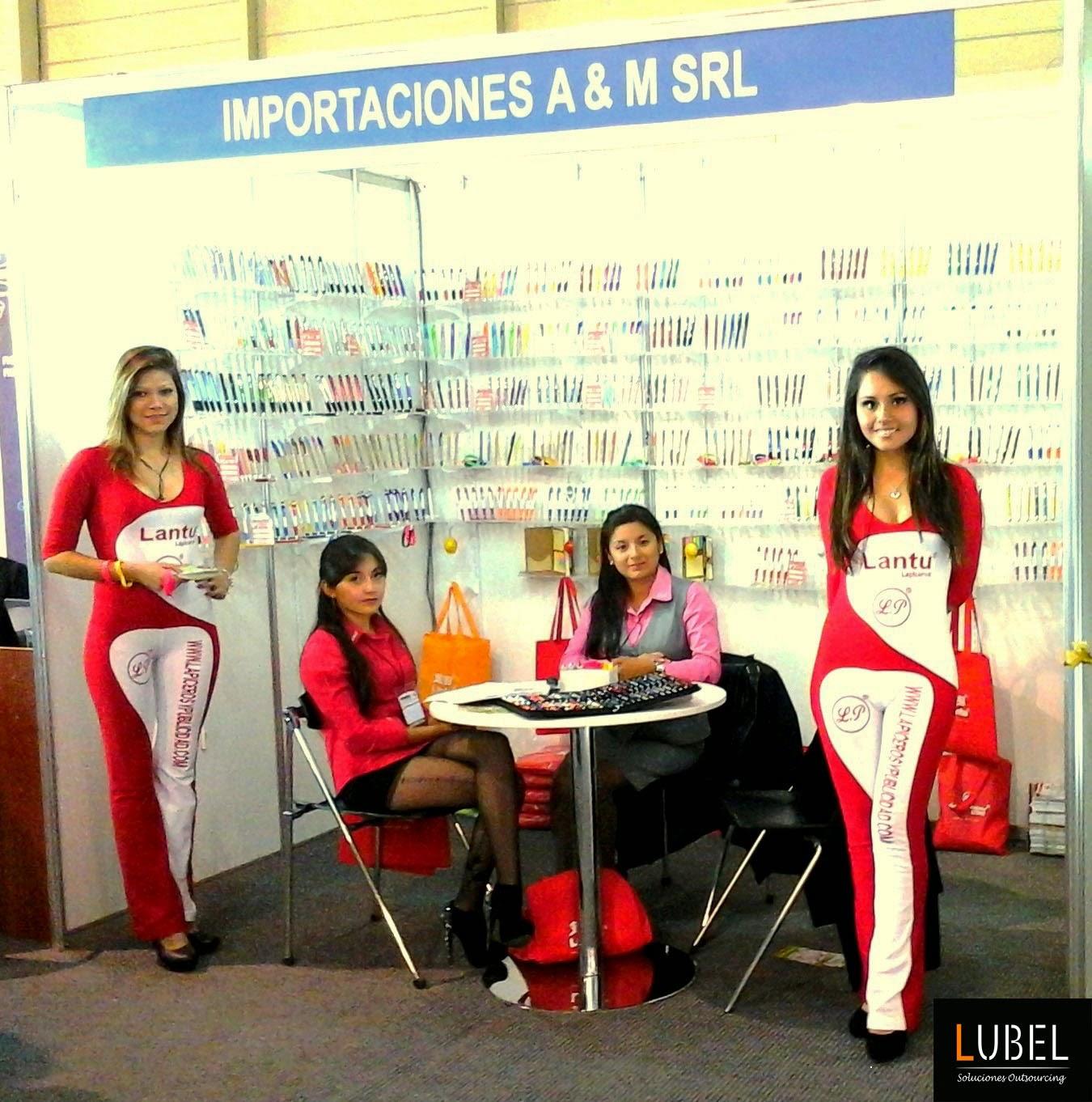 Anfitrionas de Lubel Arequipa en stand en feria Grafinka