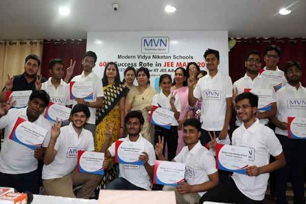 faridabad-mvn-school-sector-17-good-result-in-jee-main-examination