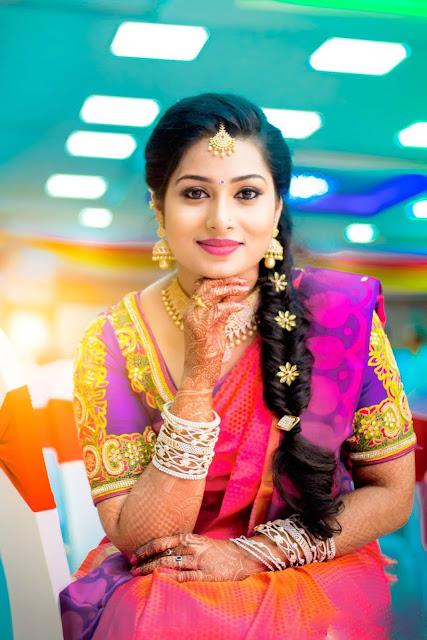Mallu Bhabhi Cute Photos In Saree  Hot And Sexy-1378