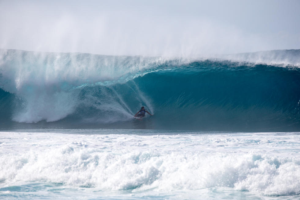 0 Bruce Irons hard charging at VPP Volcom Pipe Pro Foto WSL Tony Heff