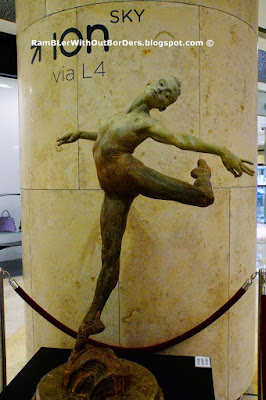 """Study Dance the Dream"" by Richard MacDonald Sculpture, ION Orchard Shopping Mall, Singapore"