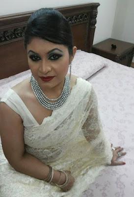 Desi Hot Andhra aunty stripping off saree