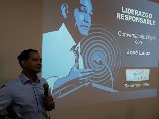 José Laluz deplora todavía se enseñe con ma me mi mo mu en plena era digital