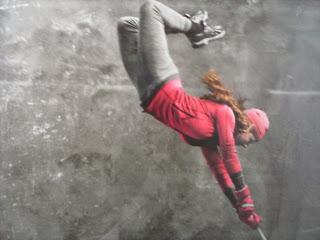 Resultado de imagem para menina voando
