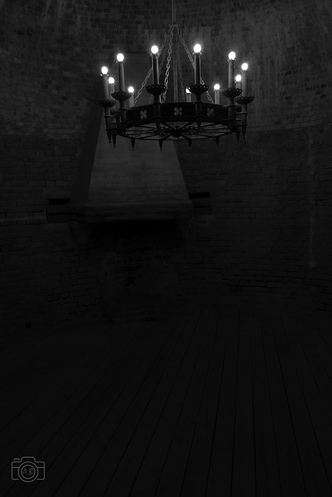 Château de Turaïda sigulda photographie carnet voyage Nikon D3100 lampadaire noir et blanc B&W black and white