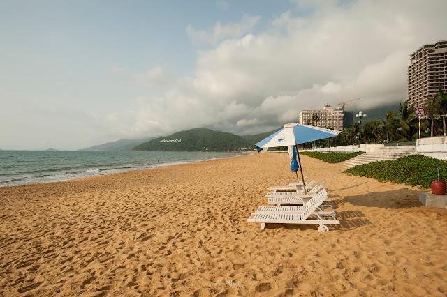 Biển Quy Nhơn chào ngày mới