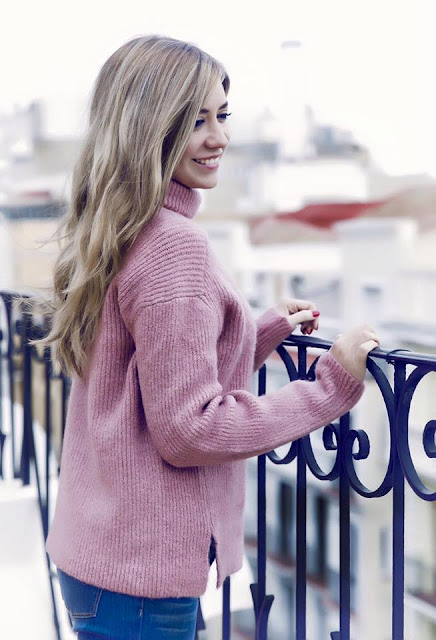 look con jersey rosa de mango