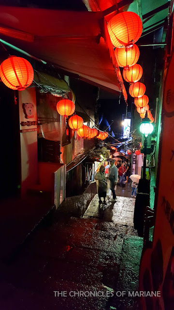 jiufen red lanterns