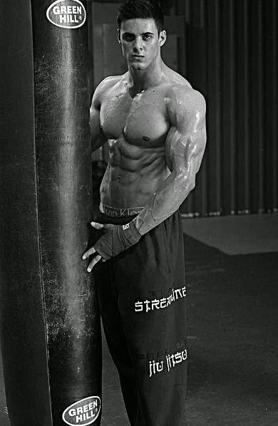 Daily Bodybuilding Motivation: Hot Male Model Logan Franklin