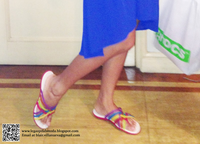 Monday Royal Blue, Almost Vintage Dress and Strutting with CROCS
