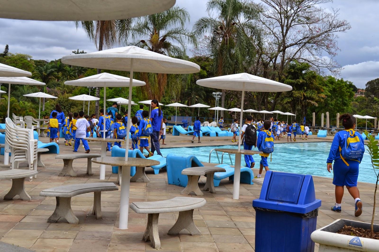 7621df1e026 Dia 22 de Outubro foi o dia do tão esperado passeio para o clube AABB de Belo  Horizonte. Os educandos da Turma 1 e 2 passaram o dia brincando na piscina