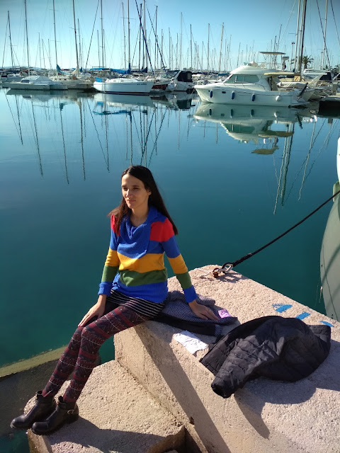 #modaodaradosti  #fashionblog #turtleneck #tights #colourful