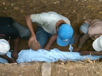 Pemakaman Mbah Parsiem 19