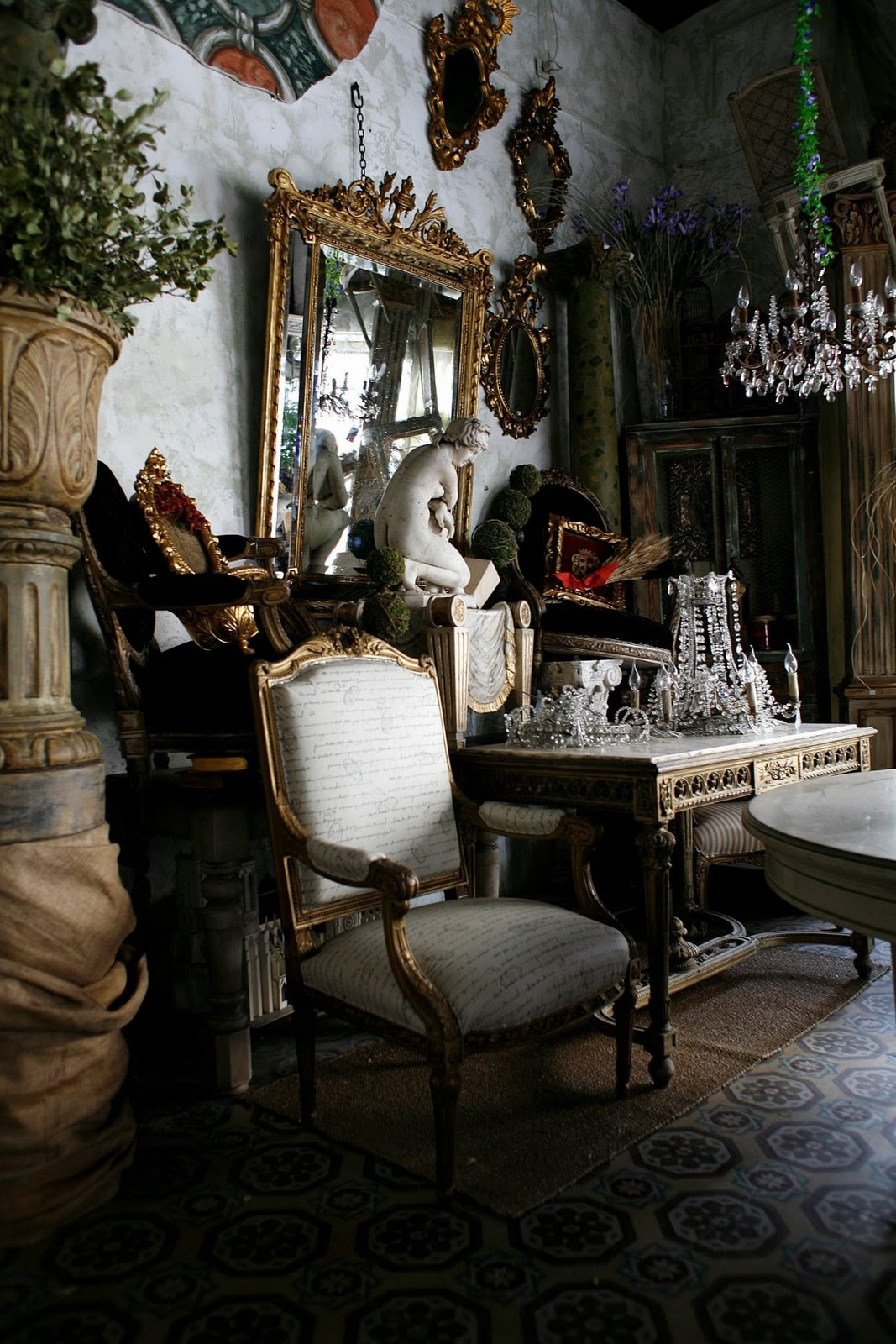 Gypsy Purple: French Find: Lovely antiques.....