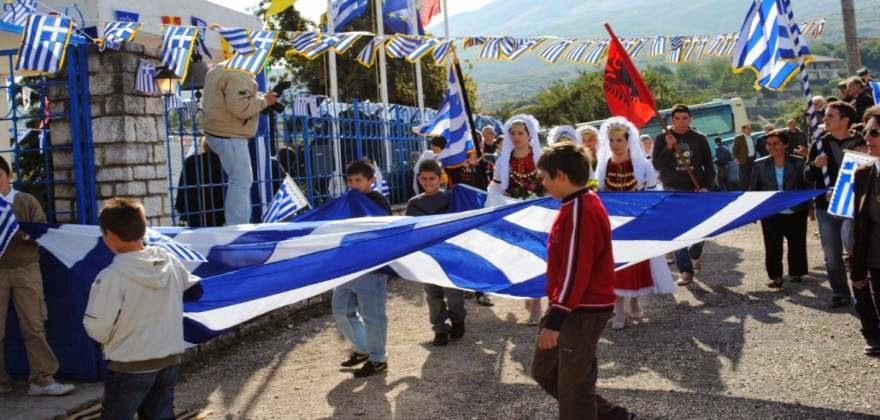 """Εκατοντάδες Αλβανοί εισέβαλλαν σε μειονοτικό χωριό στη Β. Ήπειρο - Επιχείρησαν αλβανικά """"Σεπτεμβριανά"""""""