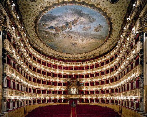 teatro san carlos napoles italia opera