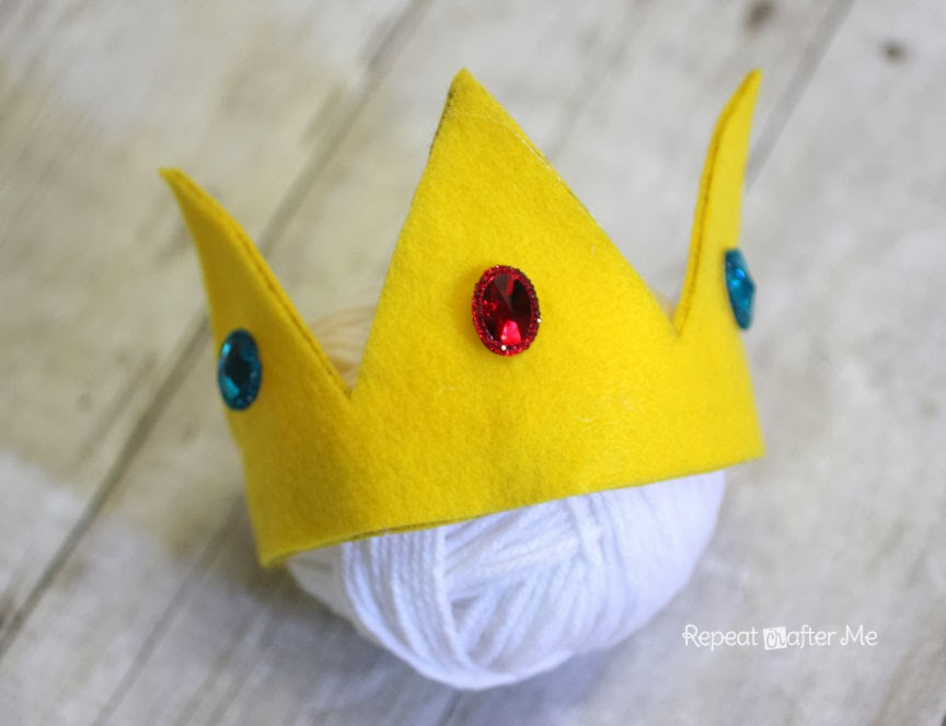 No-Sew Felt Princess Peach Crown - Repeat Crafter Me 941acba270ed
