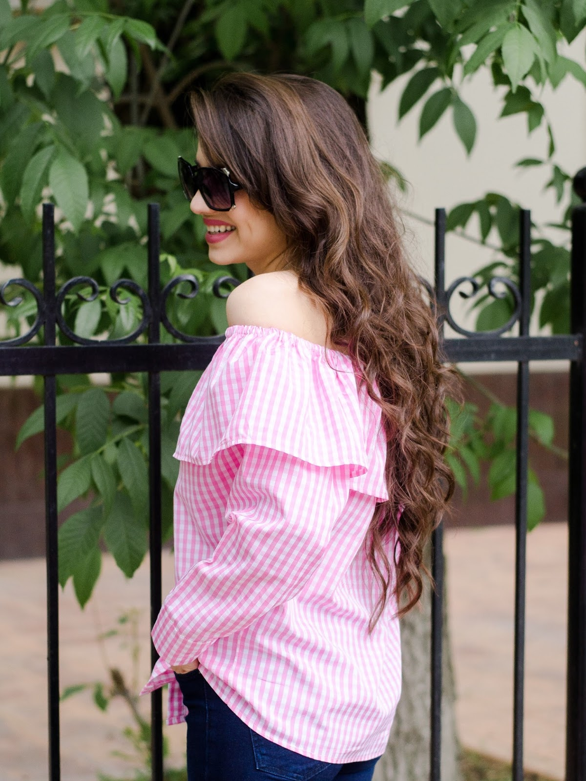 fashion blogger diyorasnotes diyora beta offshouldertop pink top michael kore bag mules asos