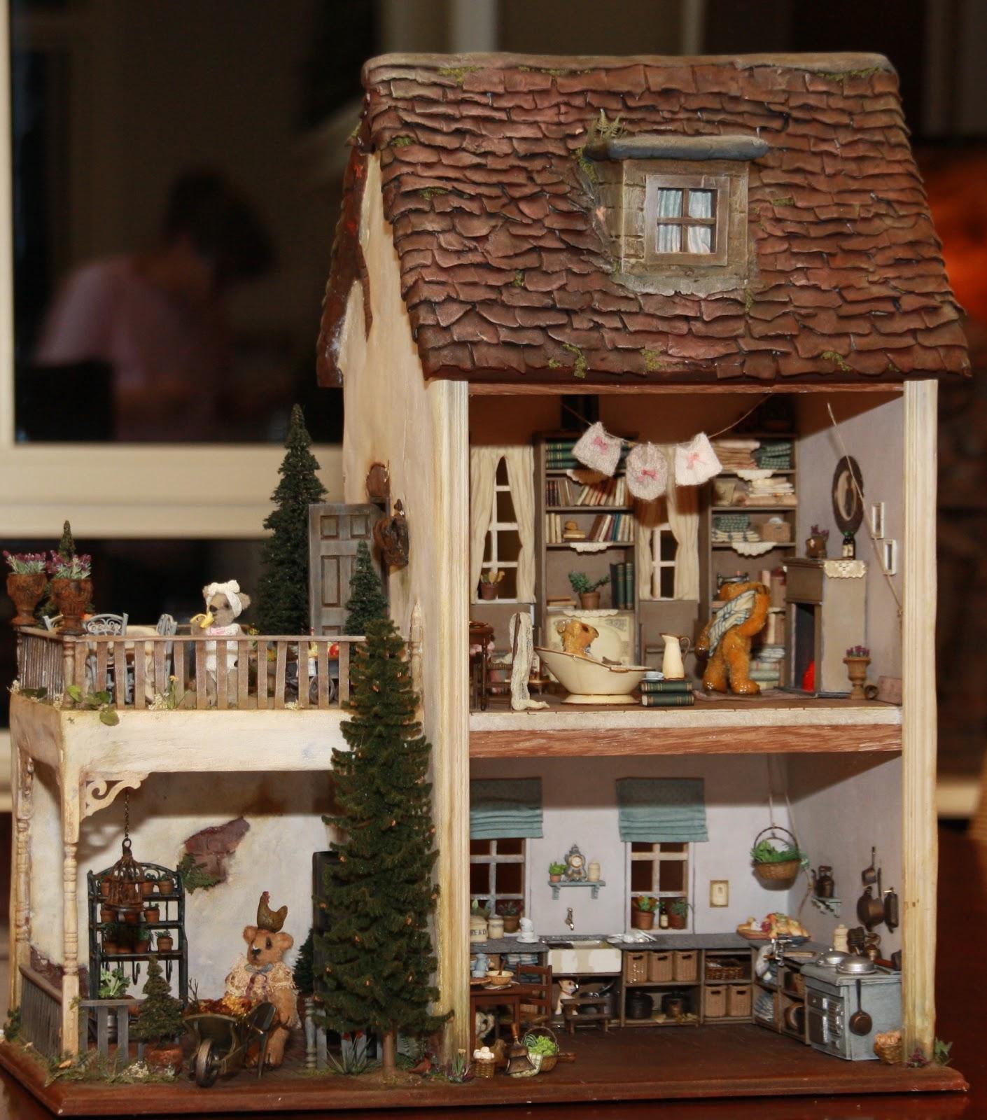 Art Of Mini Old Bear House