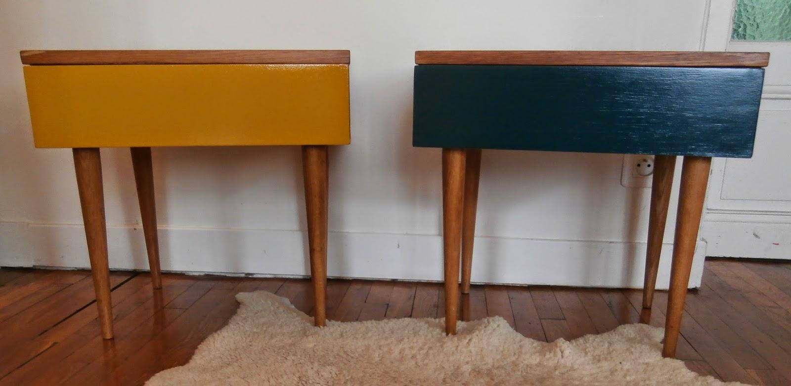 dur e de vie ind termin e tables de chevet jaune et bleu p trole. Black Bedroom Furniture Sets. Home Design Ideas