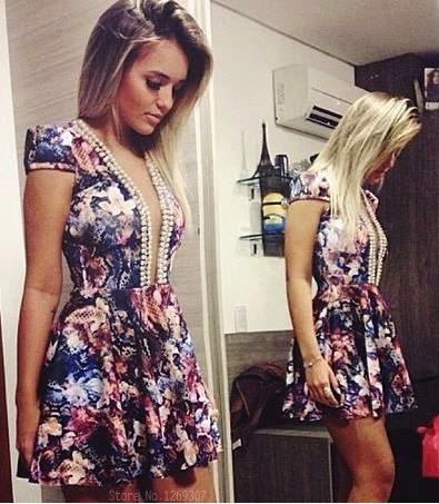 vestido de pérolas florido