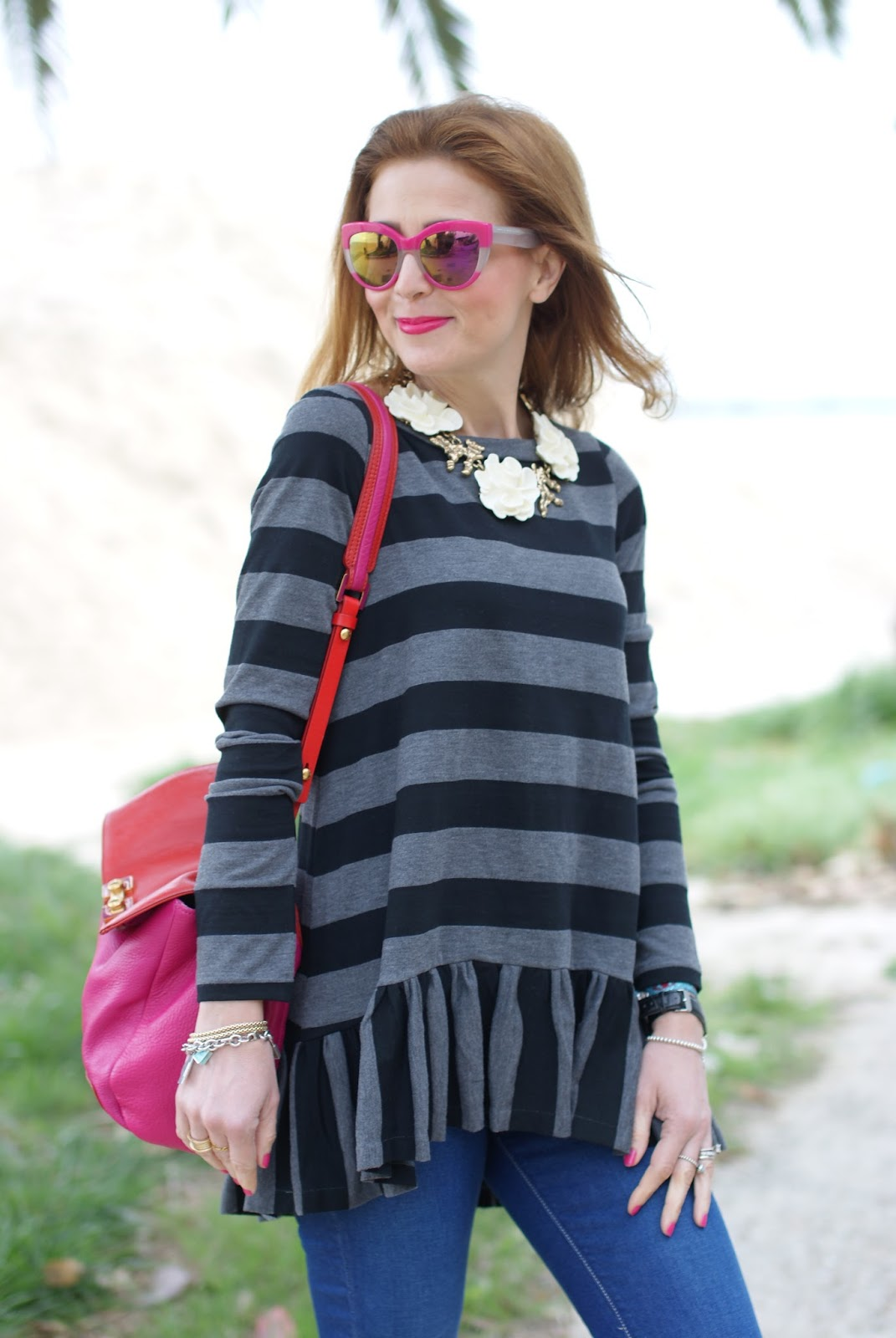 Stripes and ruffles Rose a Pois outfit on Fashion and Cookies fashion blog, fashion blogger style