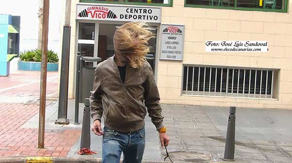Los bulos de la suspensión de clases por alerta de viento en canarias el lunes 15 y el martes 16 de enero
