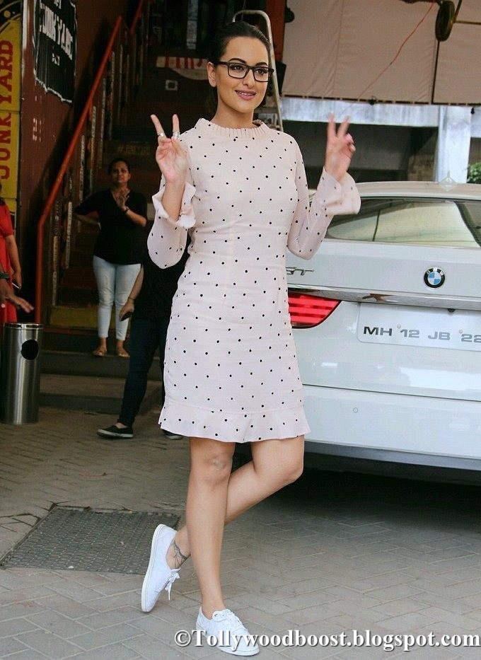 Sonakshi Sinha Long Legs Thighs Show In Mini White Skirt At Mumbai
