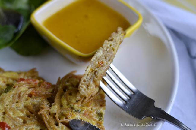 Tortitas De Espaguetis Con Salsa De Naranja Y Mostaza