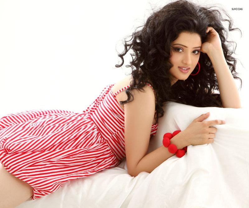 Actress lakshmi rai cameltoe - 5 6
