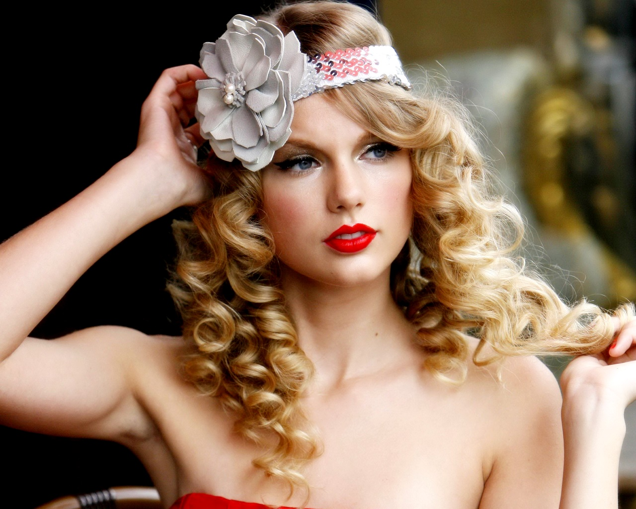 Taylor Swift Beautiful Images: Red Taylor Swift
