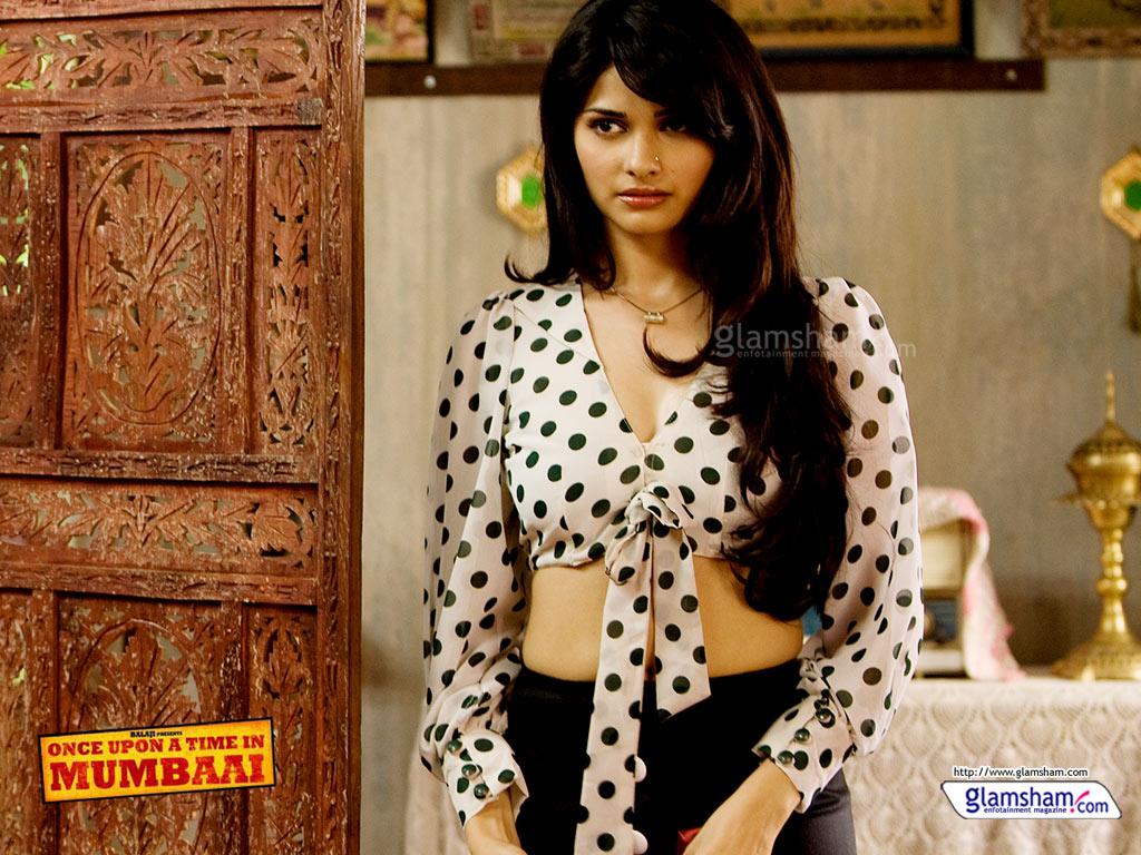 Hollywood Prachi Desai Sexy indiske skuespillerinde Hot - Pee Loon - Ouatim-7213